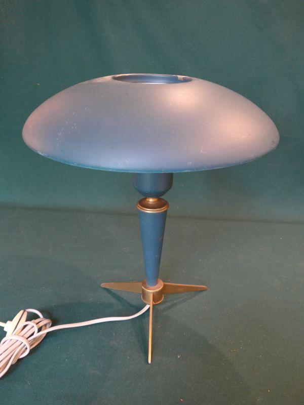lampe vintage annees 50 louis kalff philips tripode vendu antiquit opio. Black Bedroom Furniture Sets. Home Design Ideas