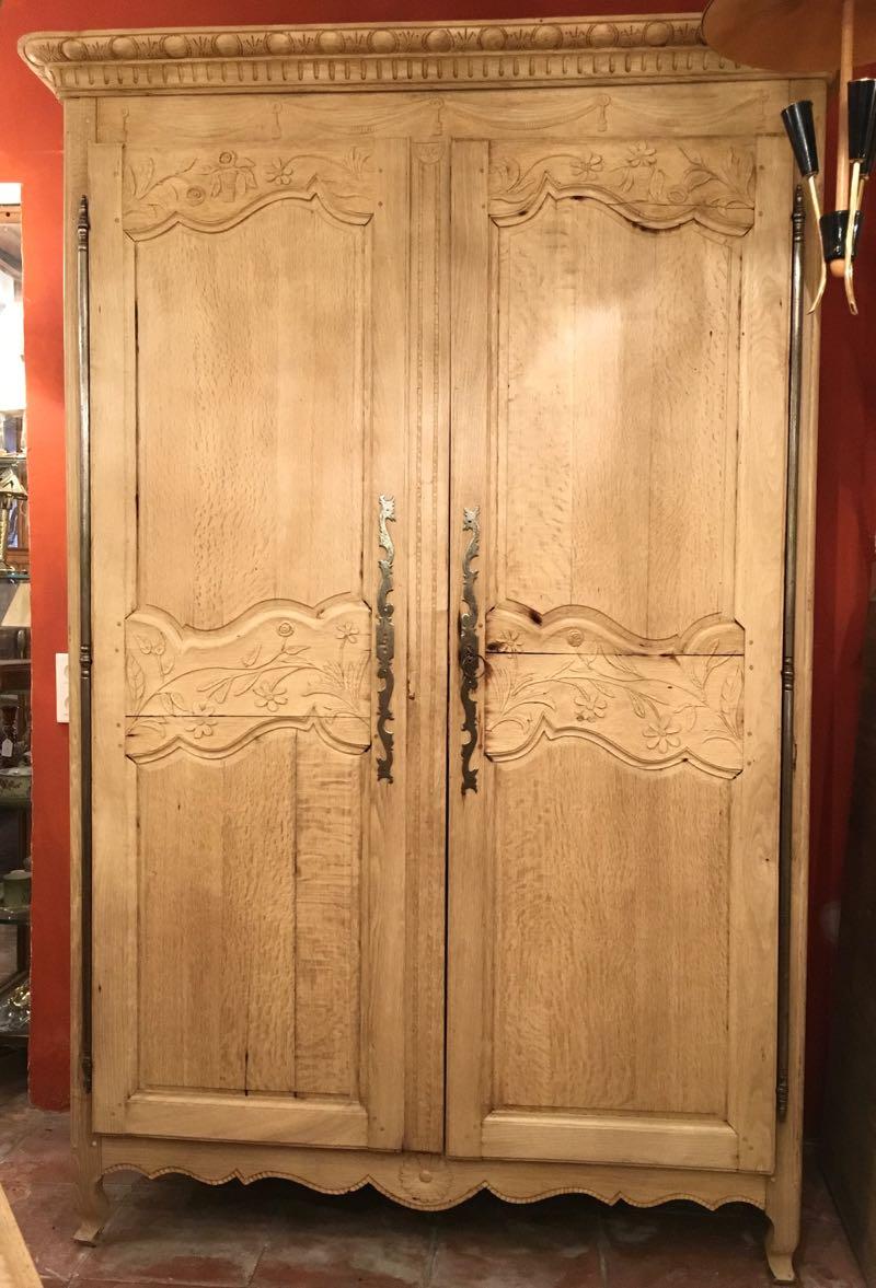 armoires antiquit s brocante. Black Bedroom Furniture Sets. Home Design Ideas
